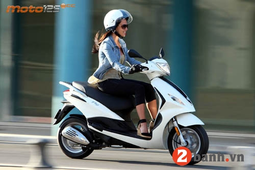 So sánh honda lead 125 vs piaggio fly 3v 2015 - 9