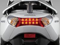 Hệ thống đèn sau sang trọng Honda Lead 125