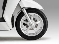 Lốp không săm - vành xe sử dụng vật liệu thân thiện với môi trường Honda Lead