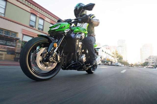 Kawasaki Z1000 2015 ra mắt bộ cánh mới - 70104
