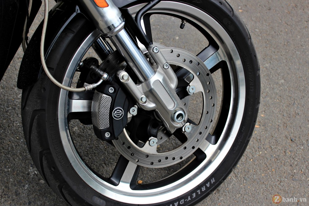 V-Rod Muscle 2014 - Mẫu xe cơ bắp Mỹ của Harley - 84730