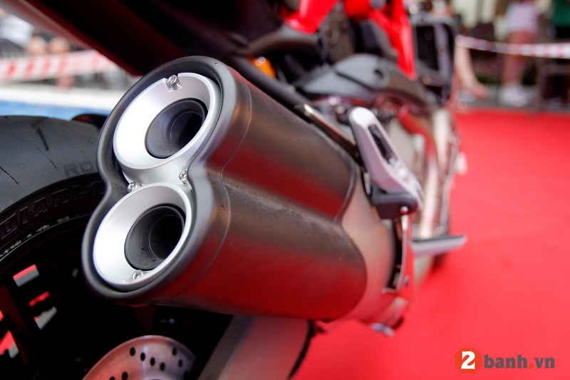 Ducati monster 821 - 10