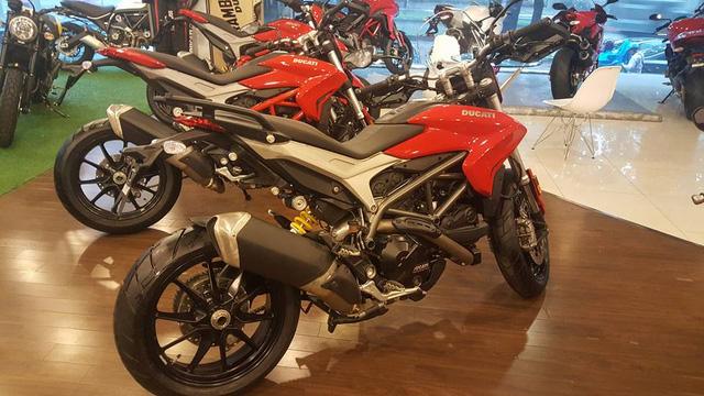 Ducati hypermotard 939 - 8