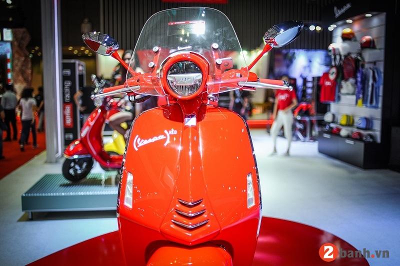 Vespa 946 red - 5
