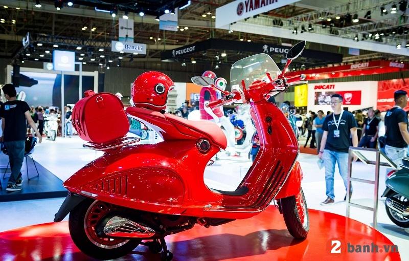 Vespa 946 red - 4