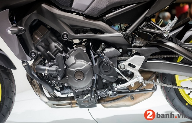 Yamaha mt-09 - 11