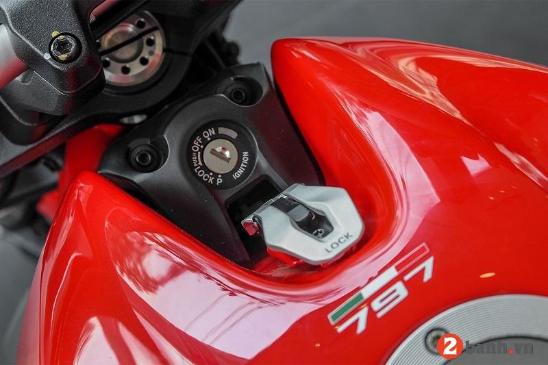 Ducati monster 797 - 8