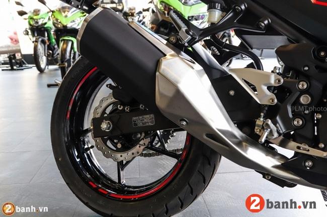 Kawasaki ninja 250 abs - 12