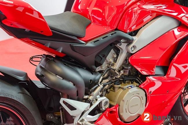 Ducati panigale v4 s - 9