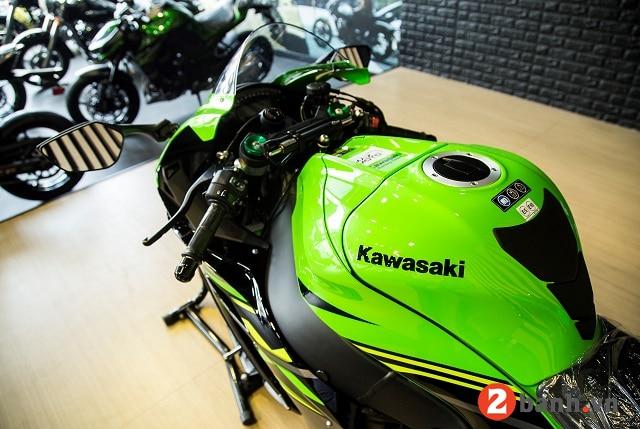 Kawasaki ninja zx-10r - 7