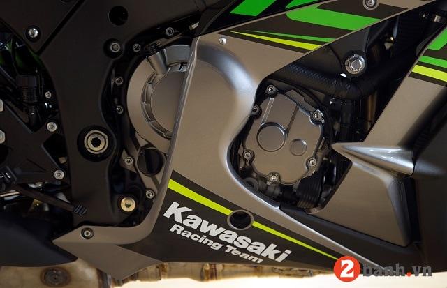 Kawasaki ninja zx-10r - 4